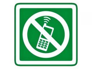 piktogram zákaz telefonování zelený
