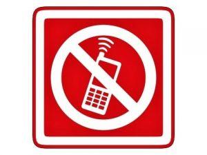 piktogram zákaz telefonování červený