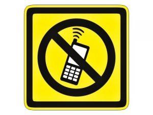 piktogram zákaz telefonování žlutý